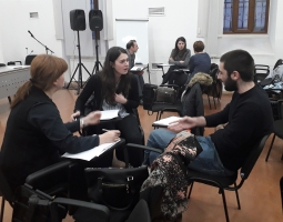 Participants practice conducting family mediation session during role plays  მედიაციის ჩატარებაში